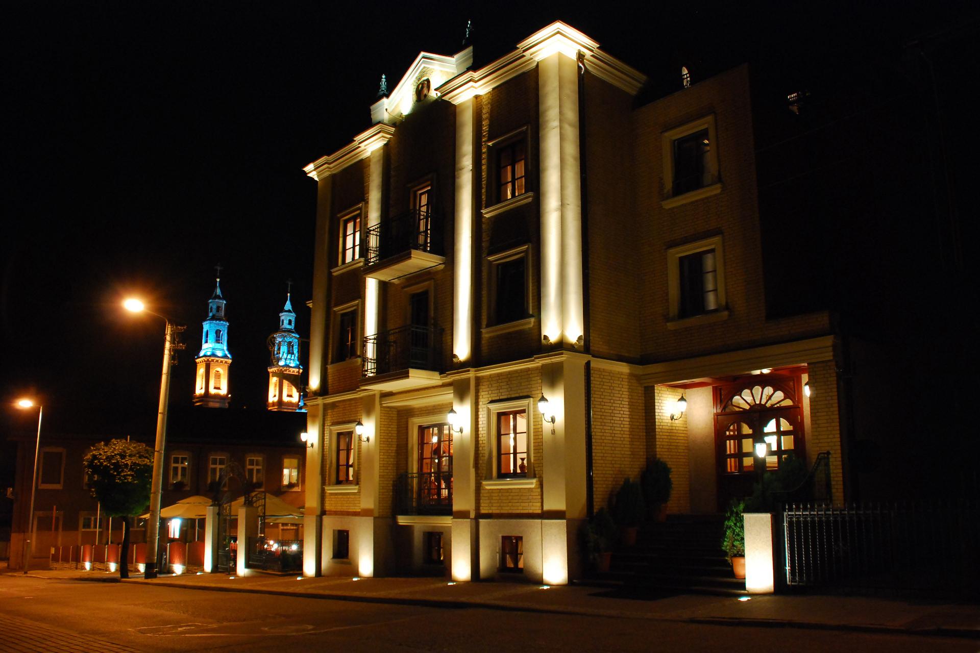 Pałac Wiśniewski nocą